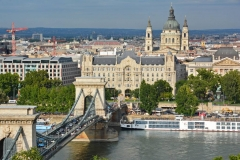 Chain Bridge & St Stephen's Basilica