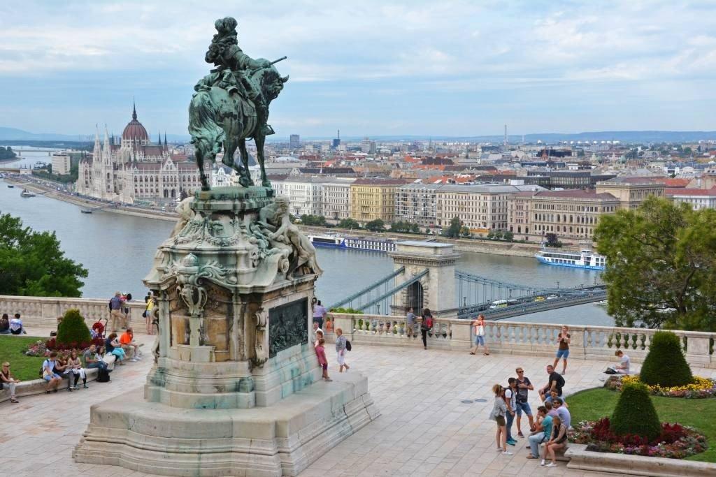 Habsburg steps Budapest