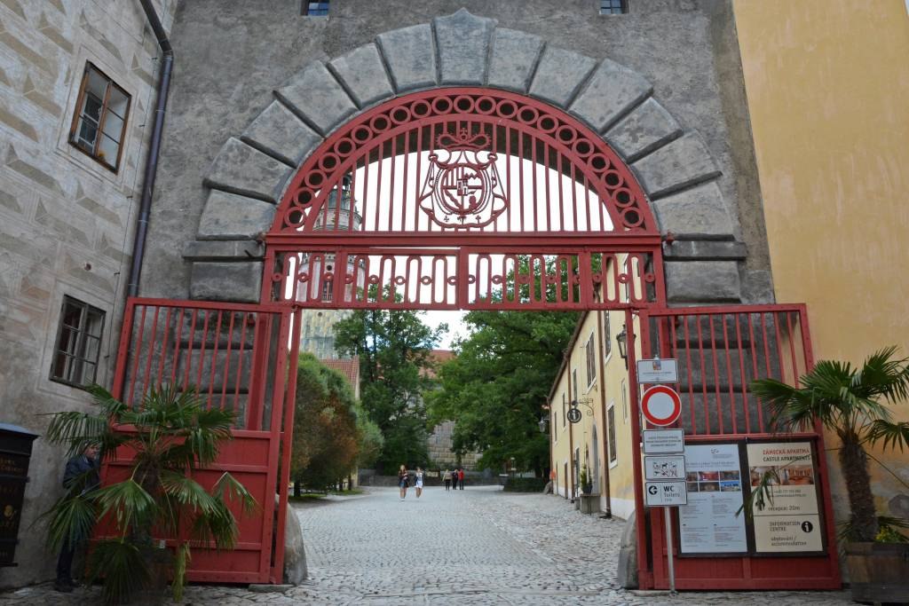 Cesky Krumlov Castle entrance