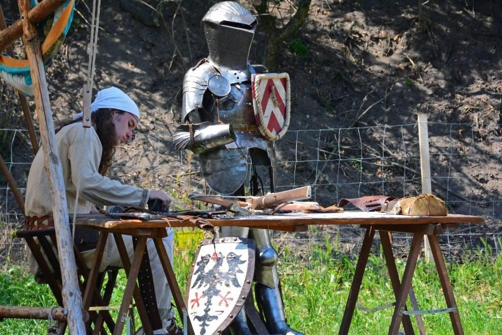 Craftsman recreates medieval wares
