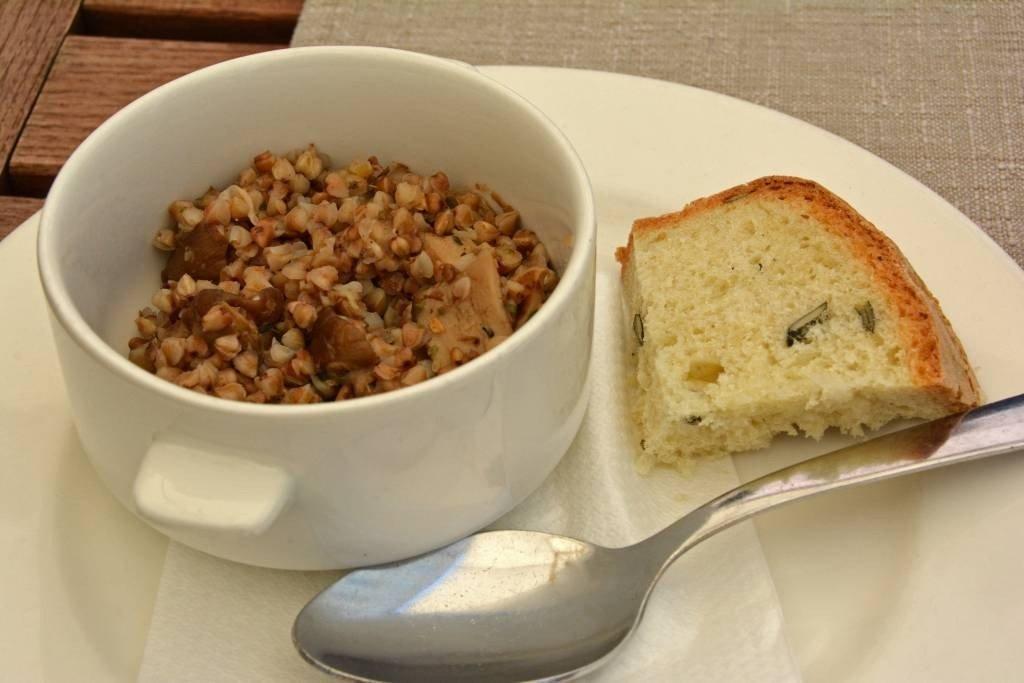 buckwheat porridge with porcini mushrooms