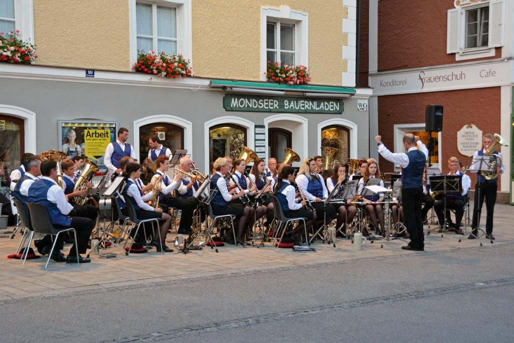 Mondsee Austria nightly band