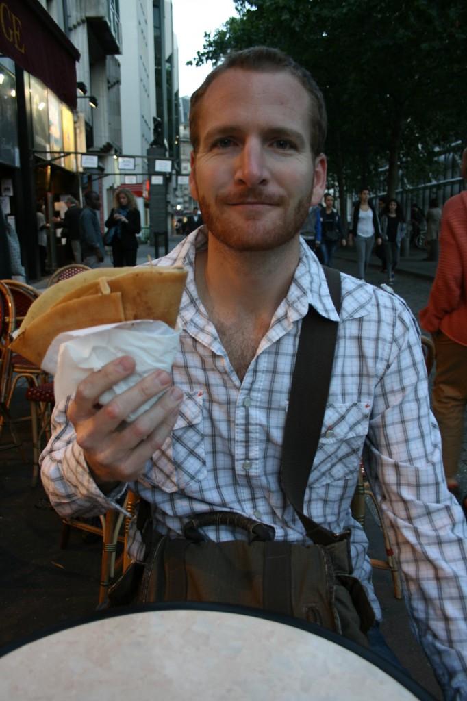 Nutella crepe Paris food on the go