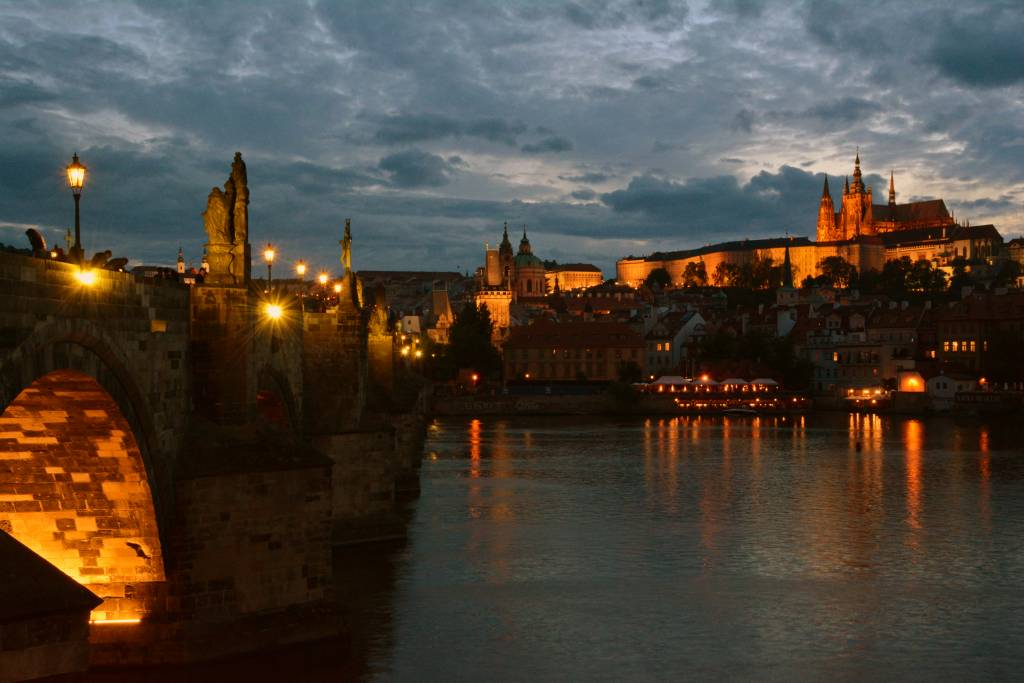 Prague (381)