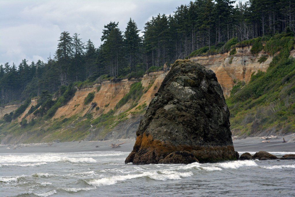 Big rock in the choppy ocean