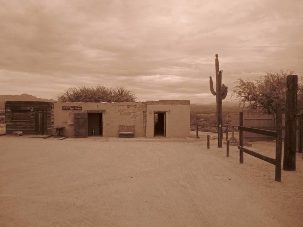 Scottsdale (898)