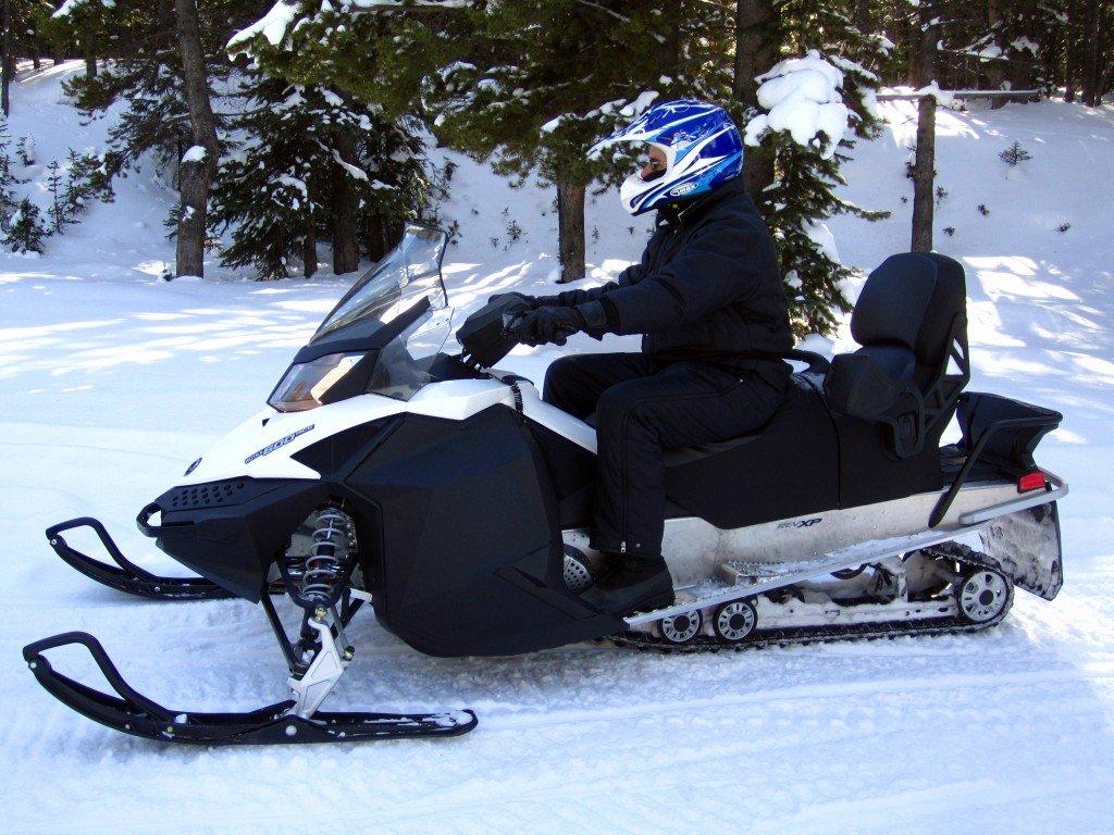 Snowmobile (18)