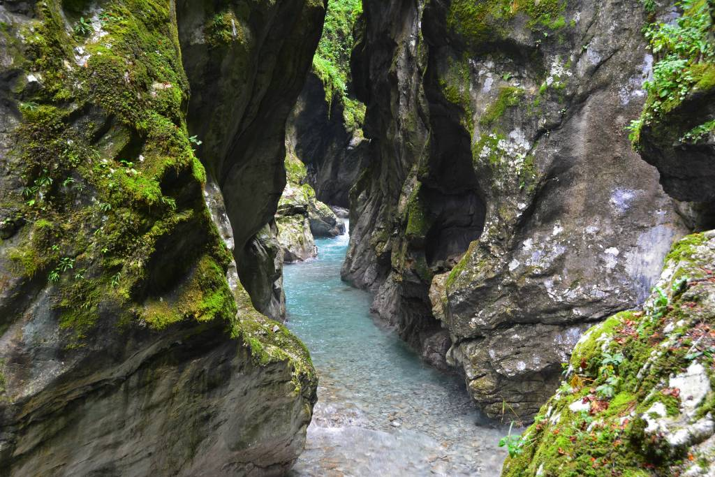 tolmin gorge a gorge ous natural attraction in slovenia. Black Bedroom Furniture Sets. Home Design Ideas