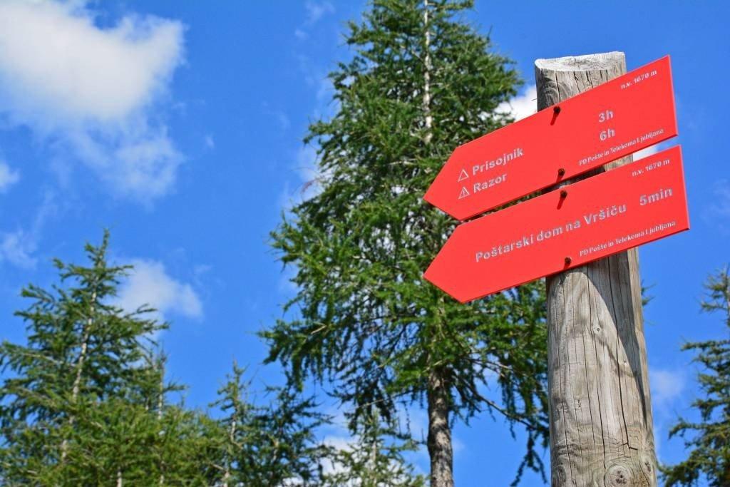 Hike from the peak of Vrsic - Vrsic Pass