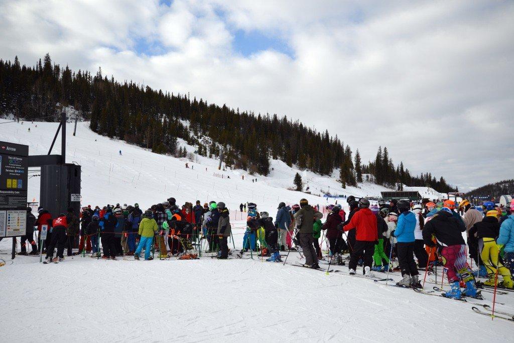 Ski queue